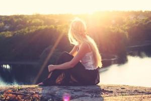 girl sitting, sun